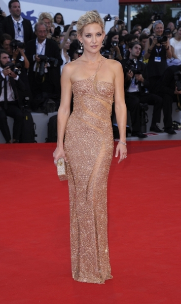 Kate Hudson sequin gown