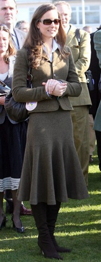 Kate Middleton - Tweed Suit