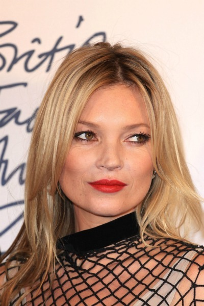 Kate Moss' straight layers