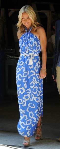 Kelly Ripa in tassle belt