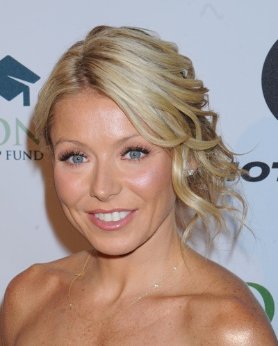 Kelly Ripa with up-do