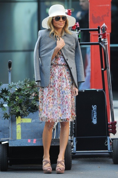 Kelly Ripa in floral print