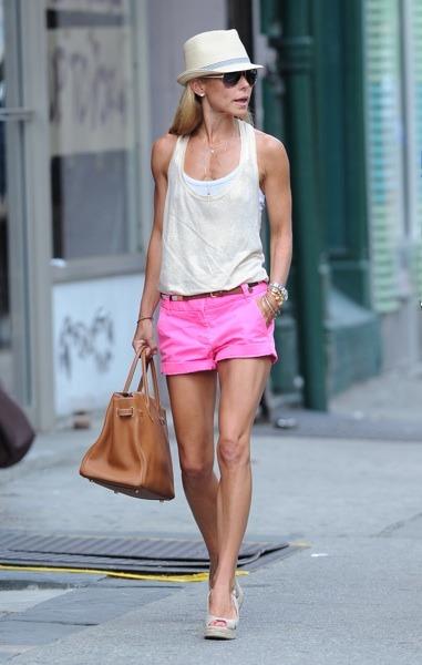Kelly Ripa in hot pink