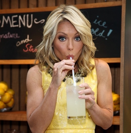 Kelly Ripa ripped