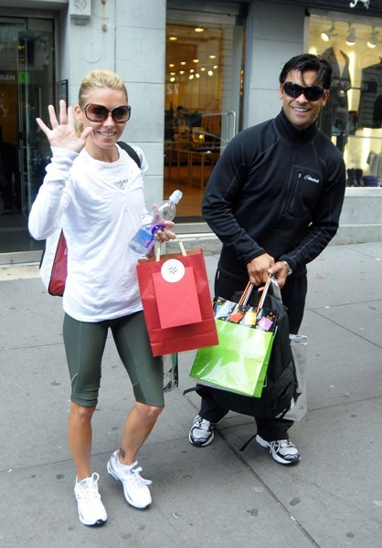 Kelly Ripa shops