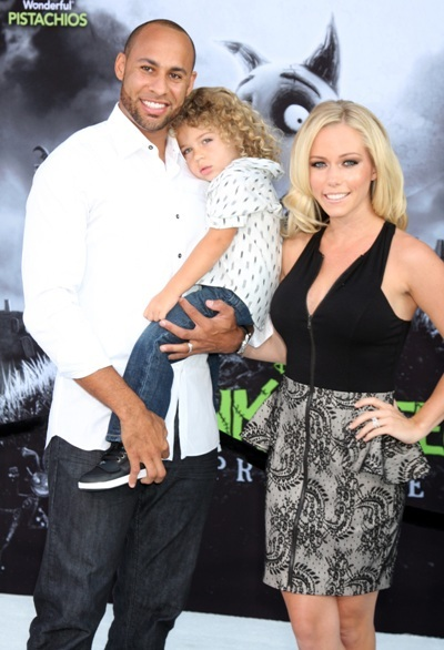 Hank Baskett Jr.'s not impressed on the red carpet