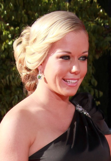 Kendra Wilkinsons chic, updo hairstyle