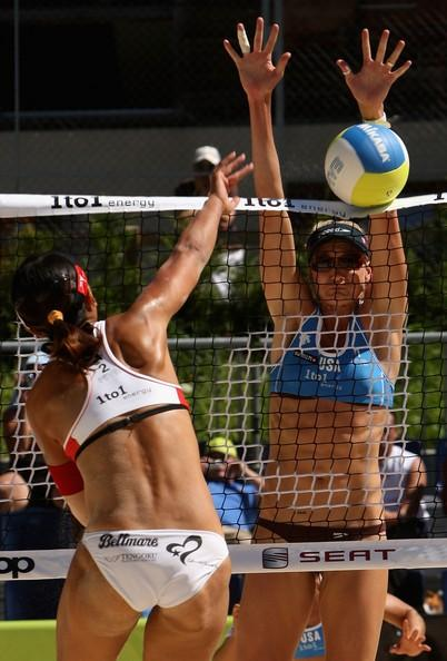 Kerri Walsh Blocks a Shot