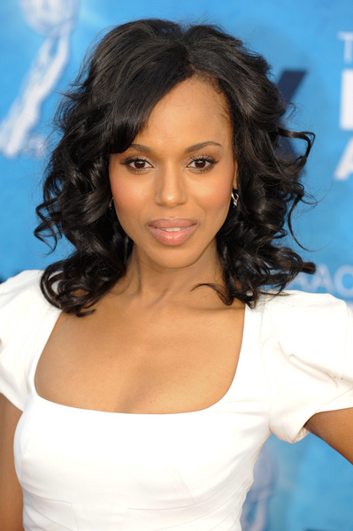 Kerry Washington wows with wavy hairstyle