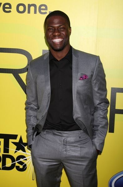 Kevin Hart flashes a smile