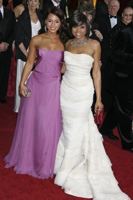 Alicia Keys and Taraji Henson at the 2009 Oscars
