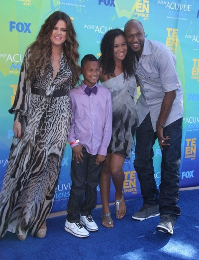 Khloe Kardashian with family