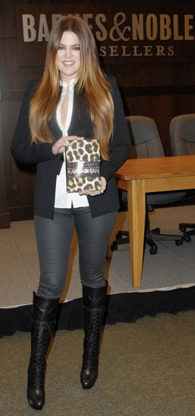 Khloe Kardashian in skinny jeans