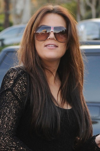 Khloe Kardashian&#039;s long, straight hairstyle