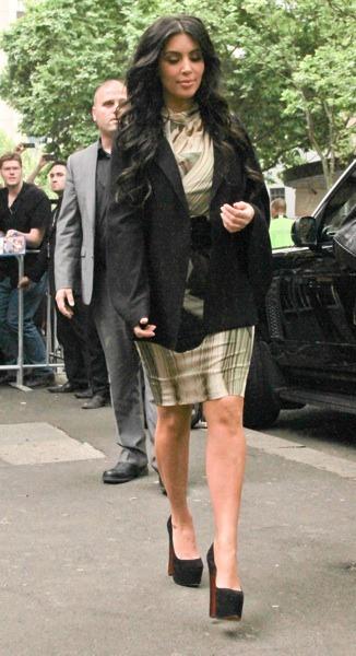 Kim Kardashian in suede pumps
