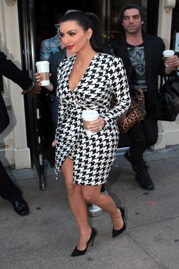 Kim Kardashian grabs coffee