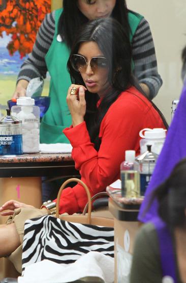 Kim Kardashian gets her nails done