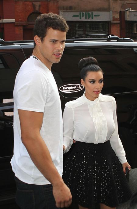 Kim Kardashian & Kris Humphries (September 2011)