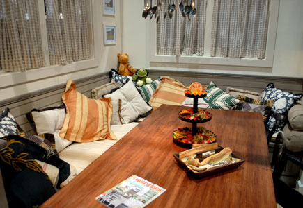 Cozy kitchen seating