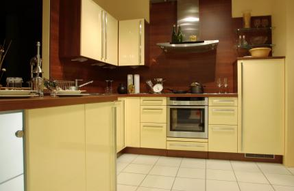 Kitchen Walls and Cabinets