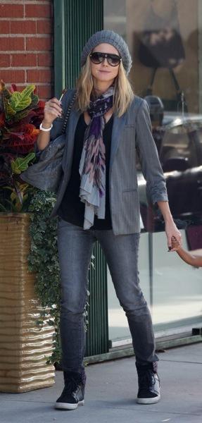 Heidi Klum in sneakers