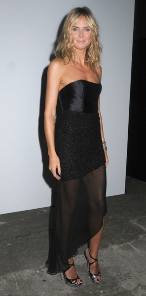 Heidi Klum in an asymmetrical skirt