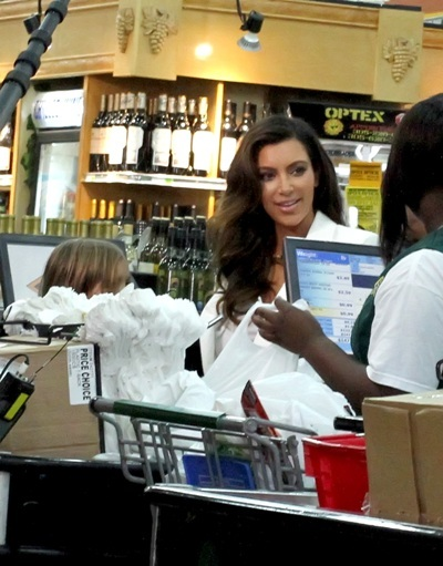 Kim goes grocery shopping in Miami