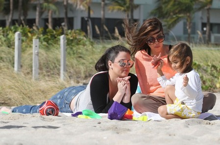 Kourtney and Khloe at the beach