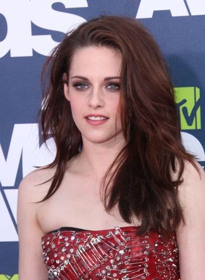 Kristen Stewart with dramatic makeup