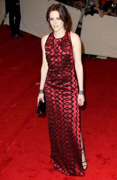 Kristen Stewart in a geometric print