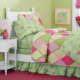 Pink Ladybug floral percale bedding - Girls' bedroom ideas