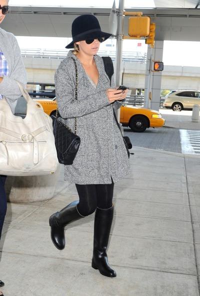Lauren Conrad in black hat