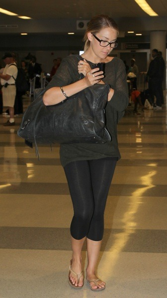 Lauren Conrad in capri leggings