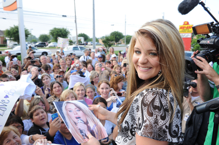 Lauren Alaina Back Home