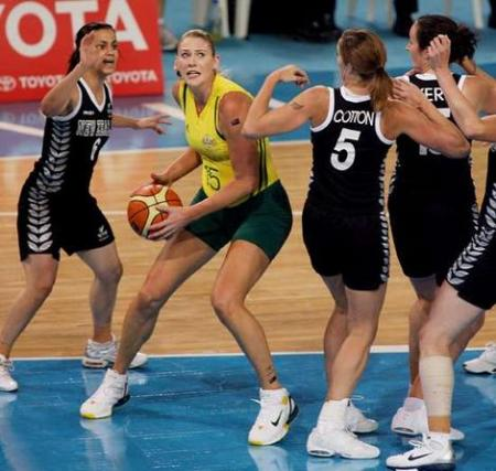Lauren Jackson Playing New Zealand