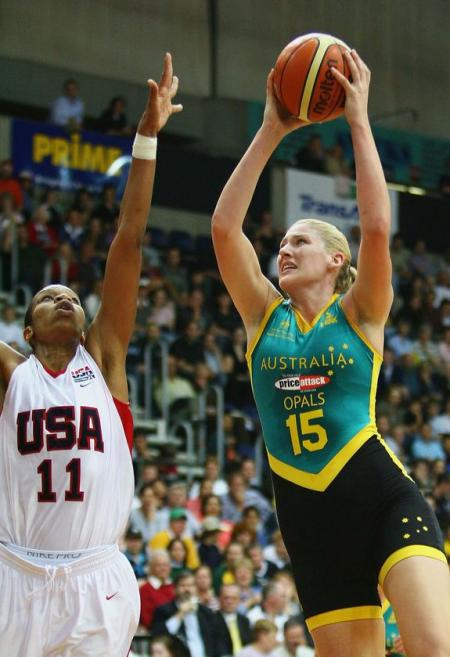 Lauren Jackson and Tina Thompson