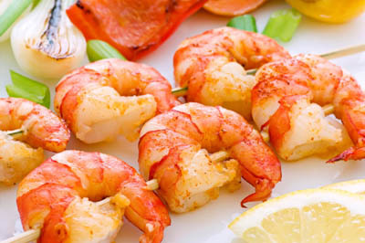 Garlic lemon shrimp skewers