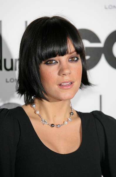 Lily Allen's blunt bob hairstyle with bangs