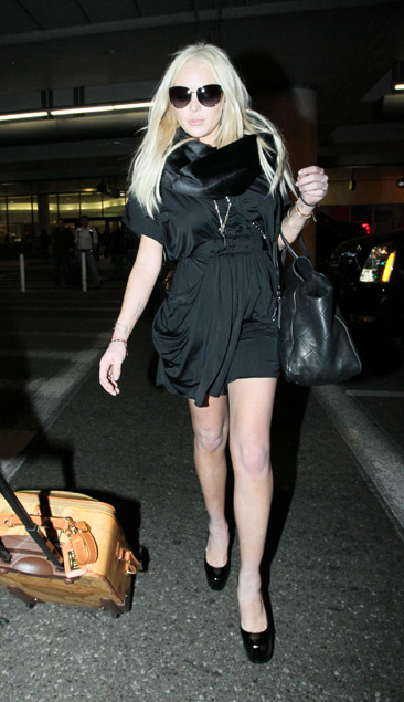 Lindsay Lohan arriving at LAX from Honolulu