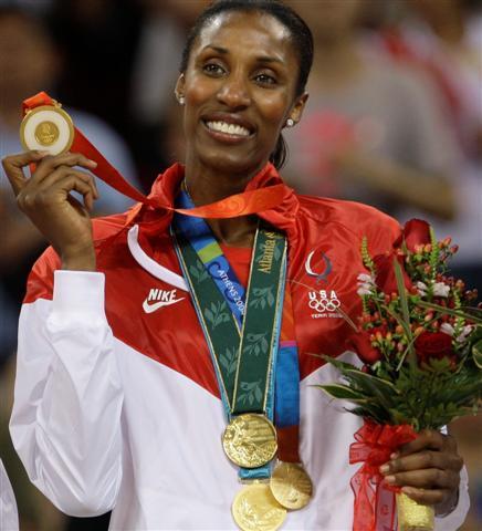 Lisa Leslie Holding a Gold Medal