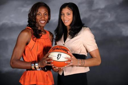 Lisa Leslie Standing with Candace Parker