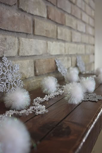 Loose white garland