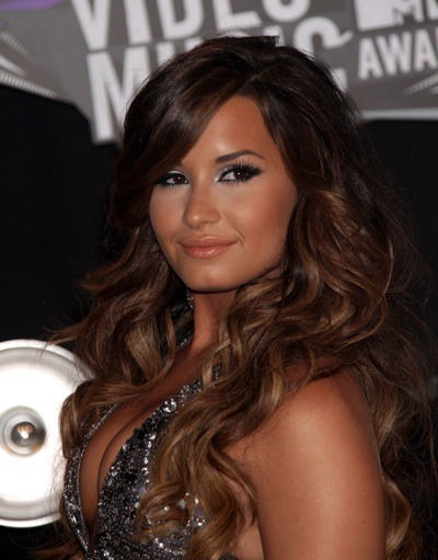 Demi Lovato with smokey eyes