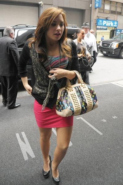 Demi Lovato in coral