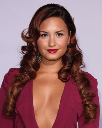 Demi Lovato's bronzer beauty