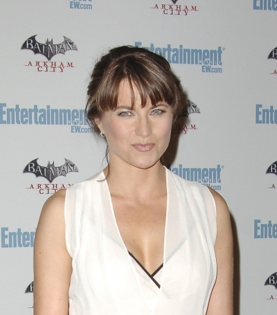 Lucy Lawless Bang Updo