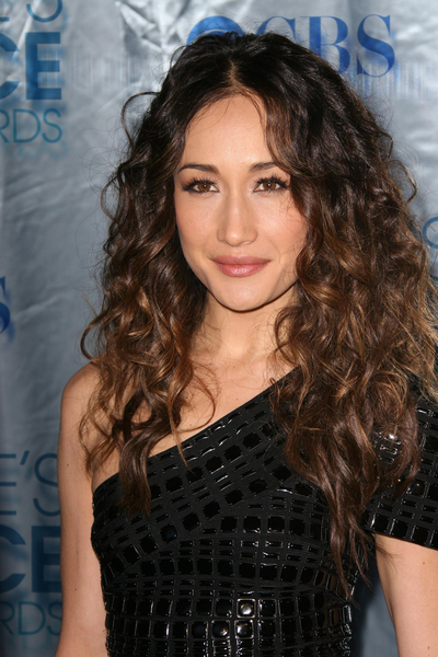 Maggie Q's sexy, curly hairstyle