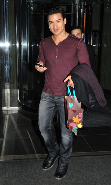 Mario Lopez leaving his NYC hotel
