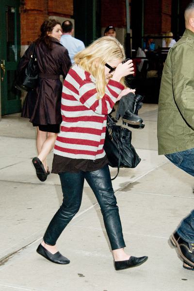 Mary-Kate looks chic in stripes