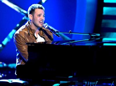 Matt Giraud performing on American Idol